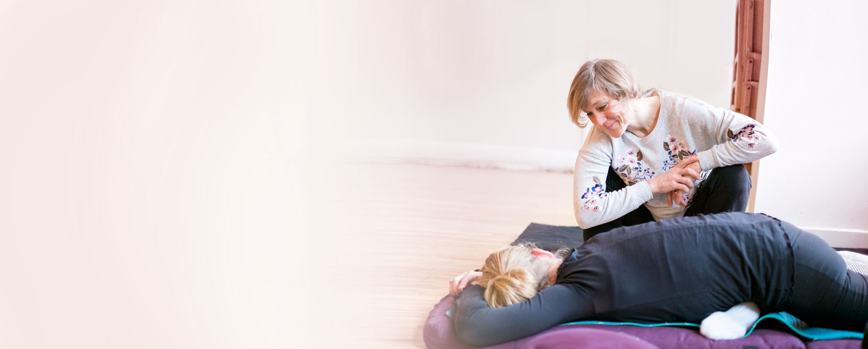 Private yoga coaching with José de groot - Yin yoga - YogaTreat.eu